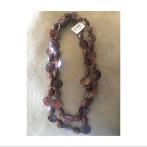 Jewelry - NWT Beautiful brown necklace